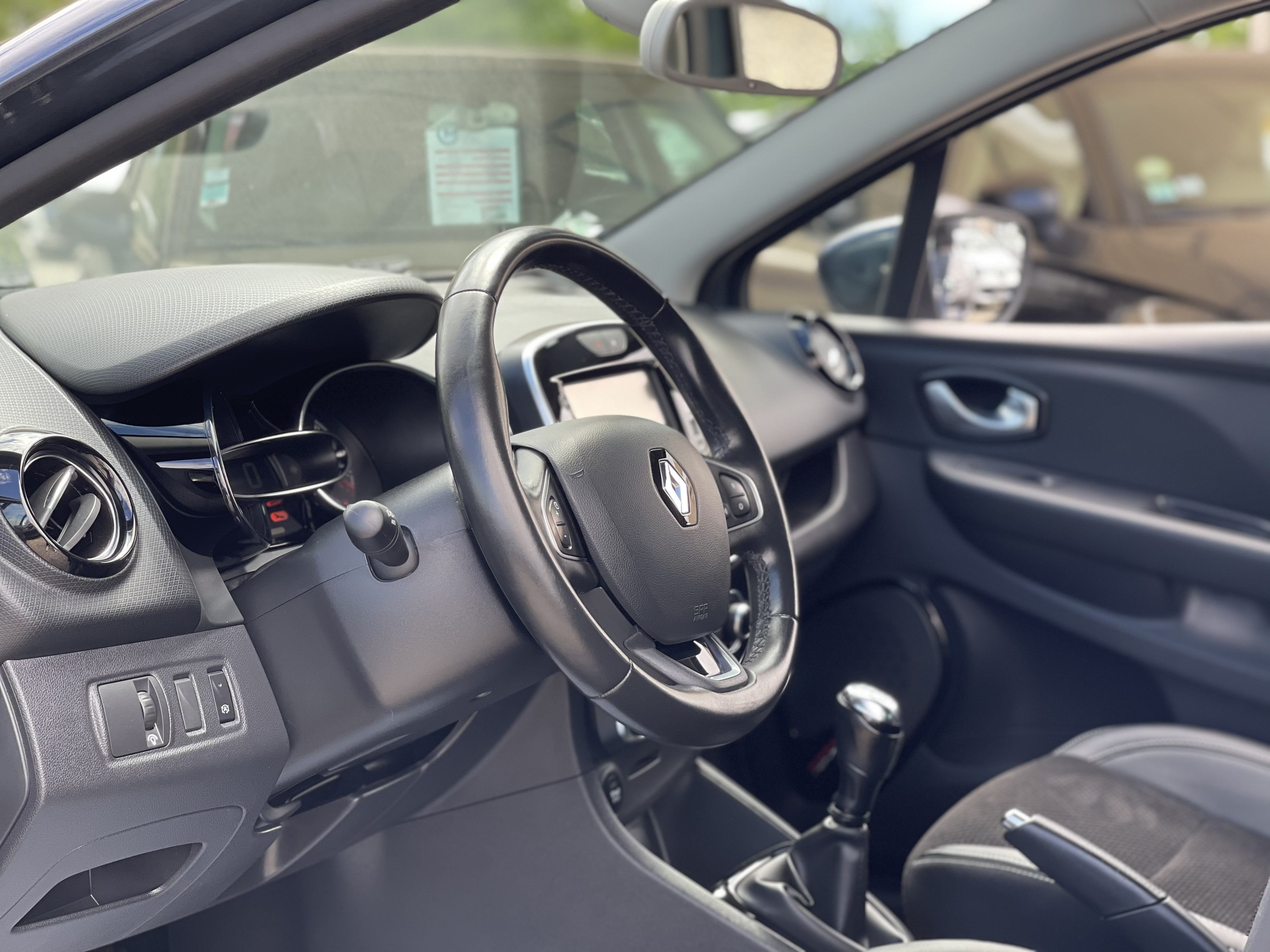 Renault Clio IV 1 5 dCi 90ch energy Intens 5p