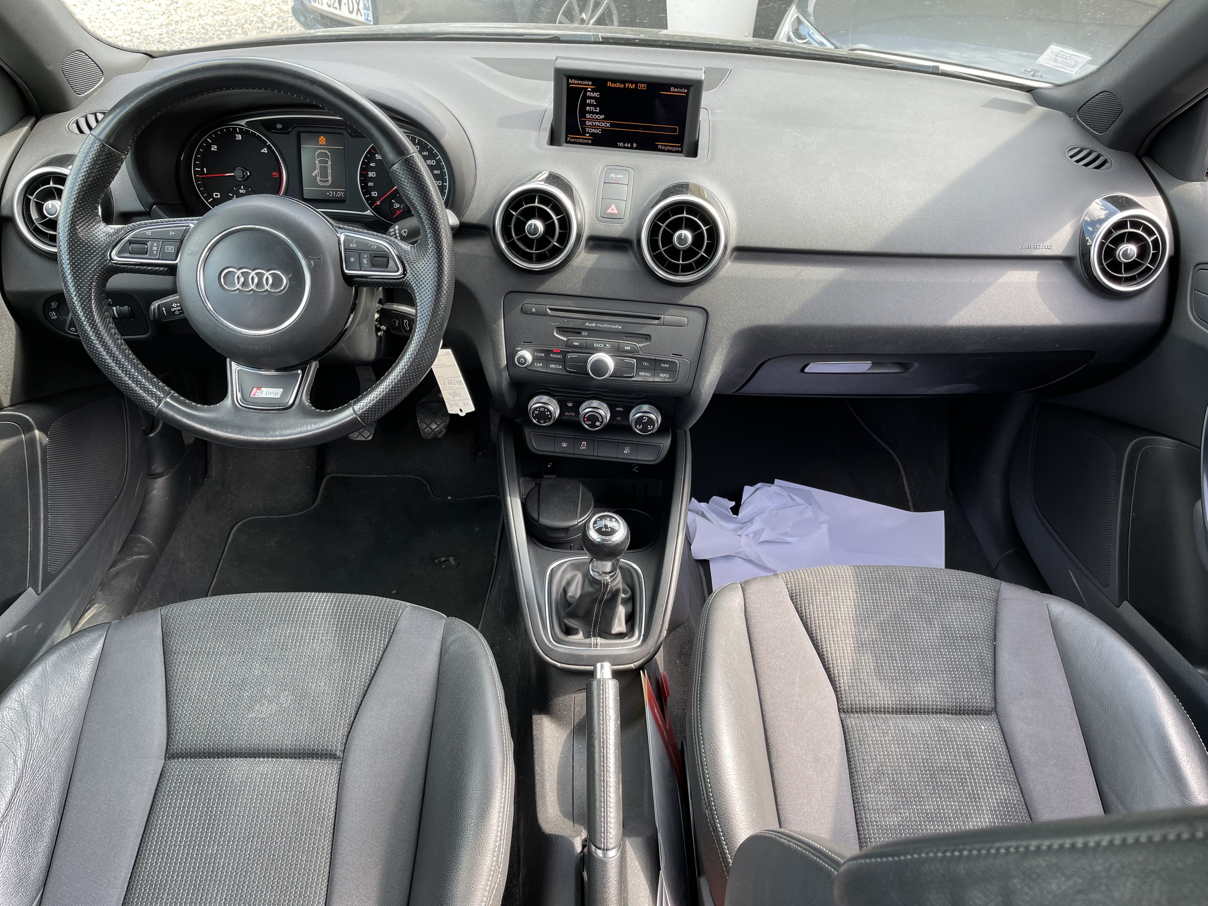 Audi A1  1 6 TDI 105ch FAP S line