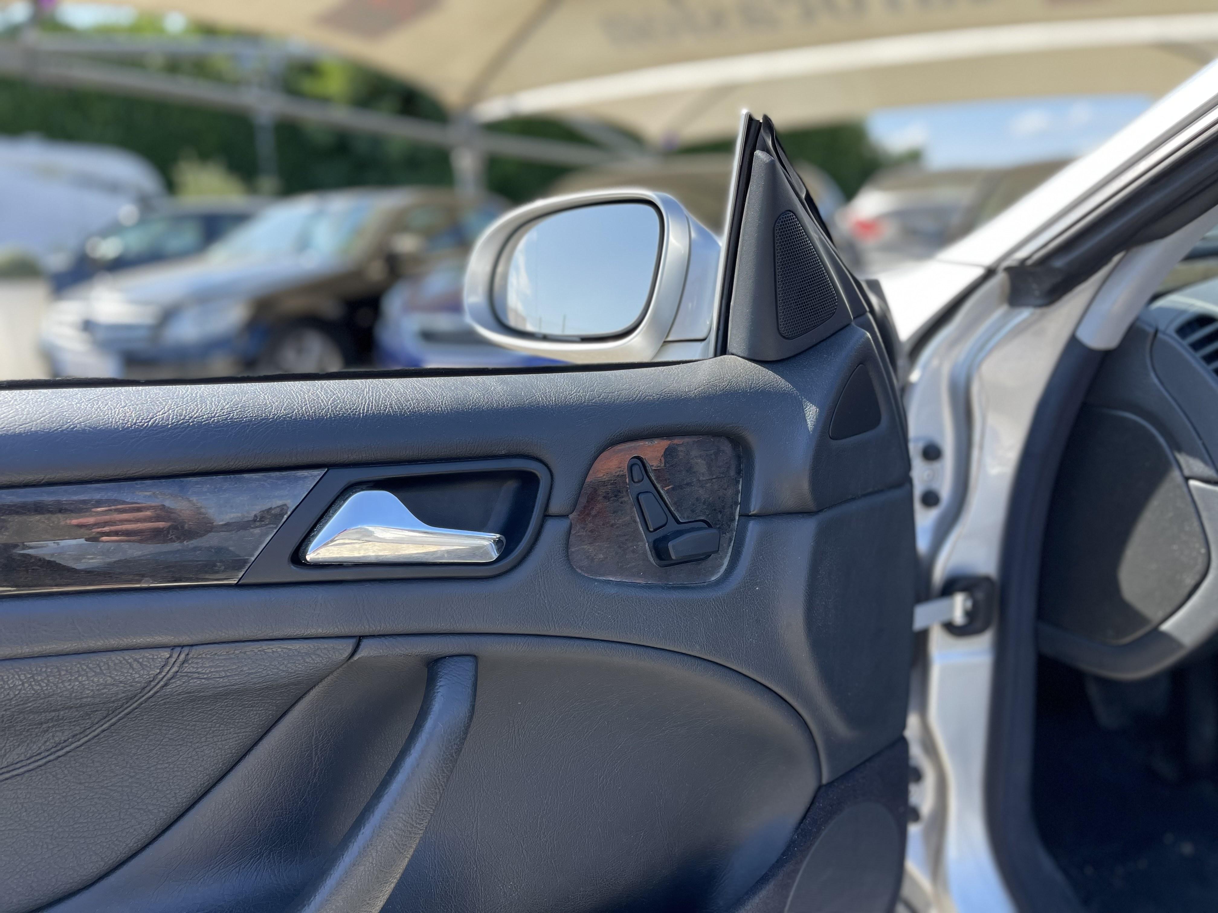Mercedes-Benz CLK I   (A208) 200K Avantgarde BA